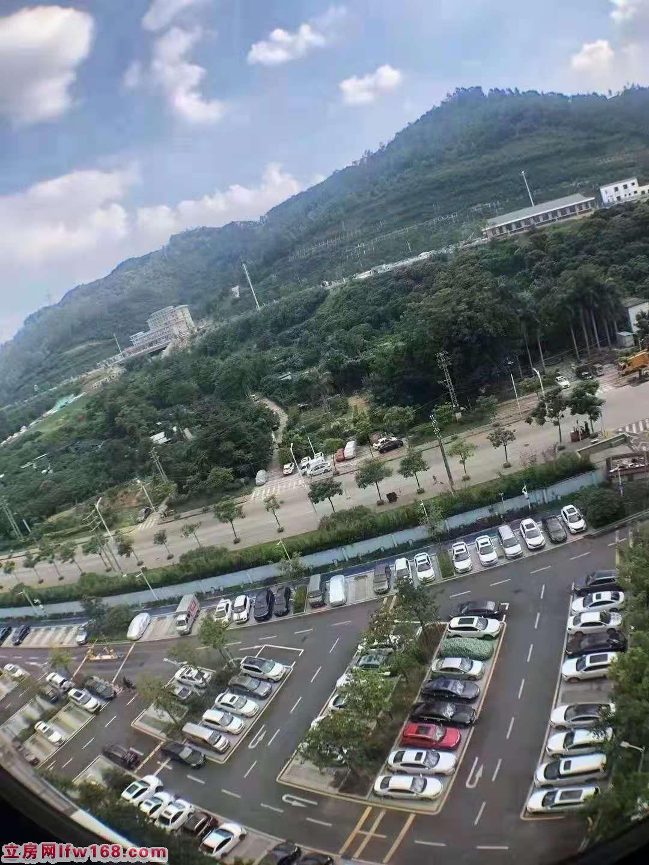 光明长圳小产权房《正升华庭》超大厨房与卫生间分离,独立大阳台